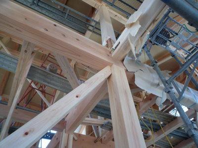 杉の柱 梁